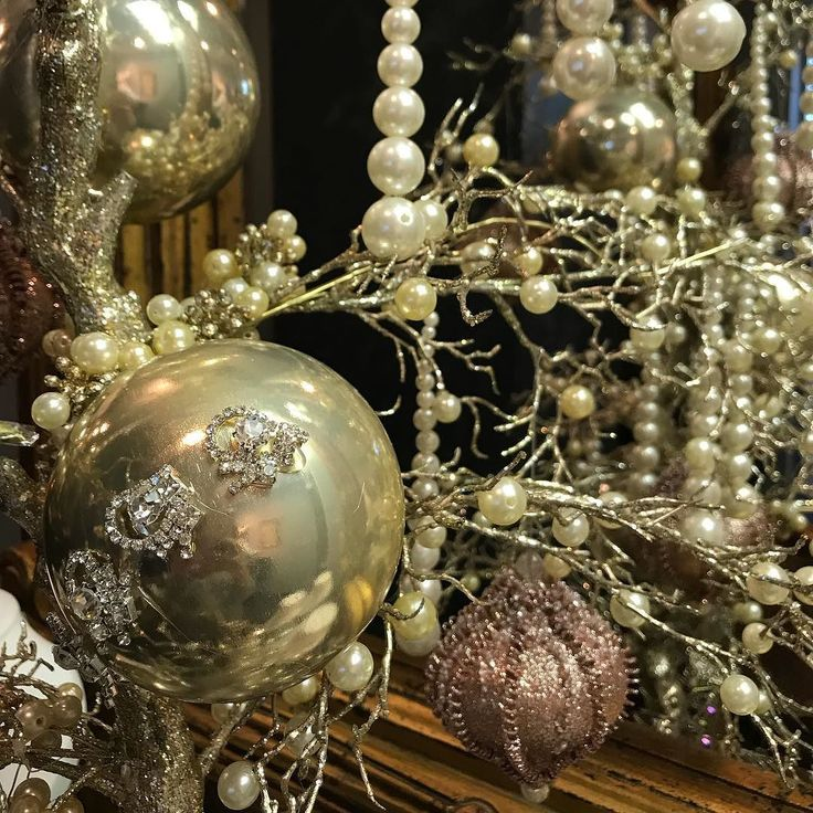 The office is not only decked out in jewels but in festive decorations. Come see us next week to get a head start on your Christmas shopping (ahem men... ) or to make a wish list of what you want for the holidays.
