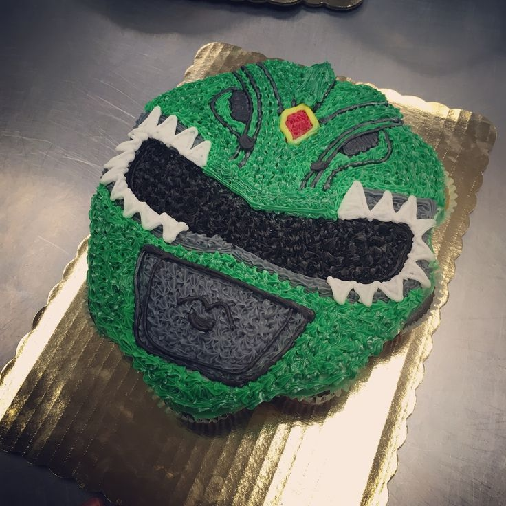 Green power ranger cupcake / cupcake cake