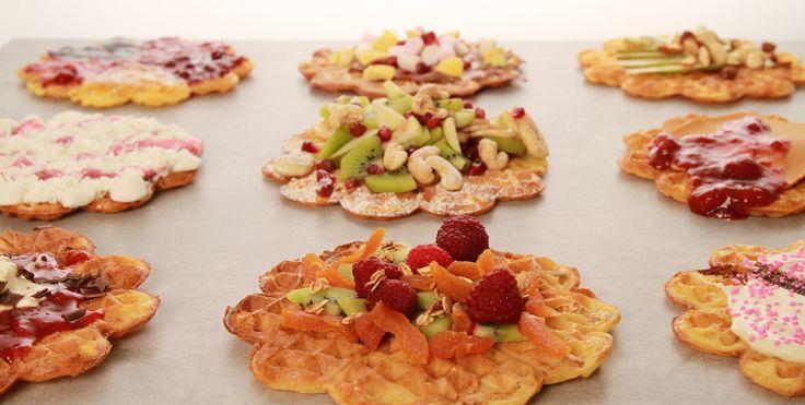 Vi har hørt du liker vafler? Da kommer du til å elske Norgesvaffelen (99,-) De er sprø og fulle av smak. Kan enkelt tilpasses for å bli slik du ønsker. Spe dem ut med banan, müsli, bær, granola, egg og lag frokost, dessert, snacks eller kaffekos :) MMMMMh!
