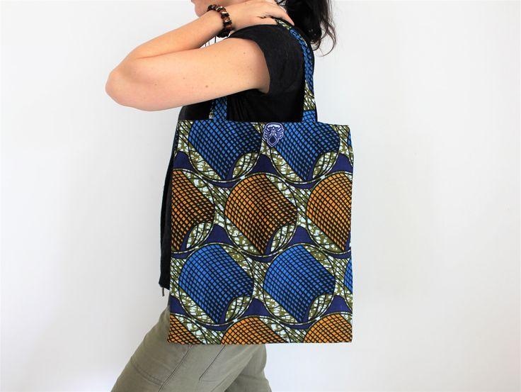 Tote bag, sac géométrique, masque africain, sac tissu pagne, sac wax, cabas ethnique, sac fourre-tout, sac plage, style ethnique africain de la boutique Underthecocotiers sur Etsy