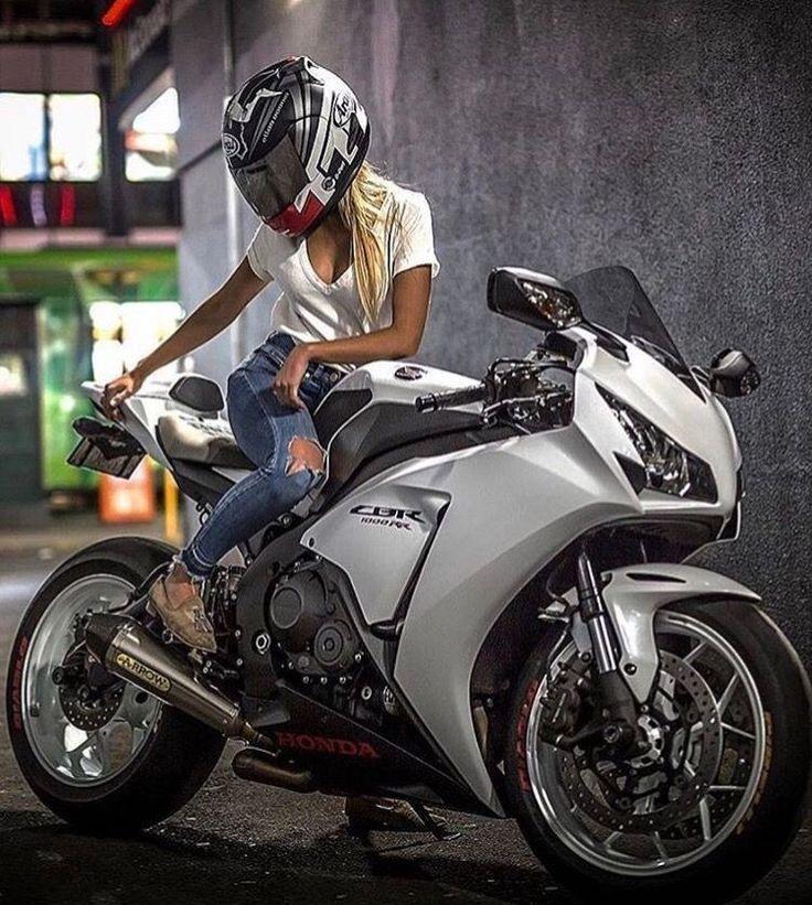 mädchen in 2020 | Motorrad mädchen, Motorrad, Mädchen auf