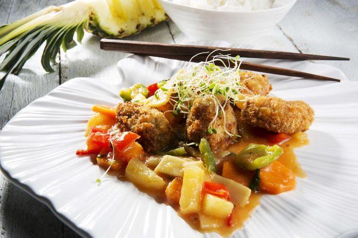 Surt, søtt og sprøtt! La deg begeistre av sursøte smaker fra Kina, med knasende sprø biter av svinefilet.
