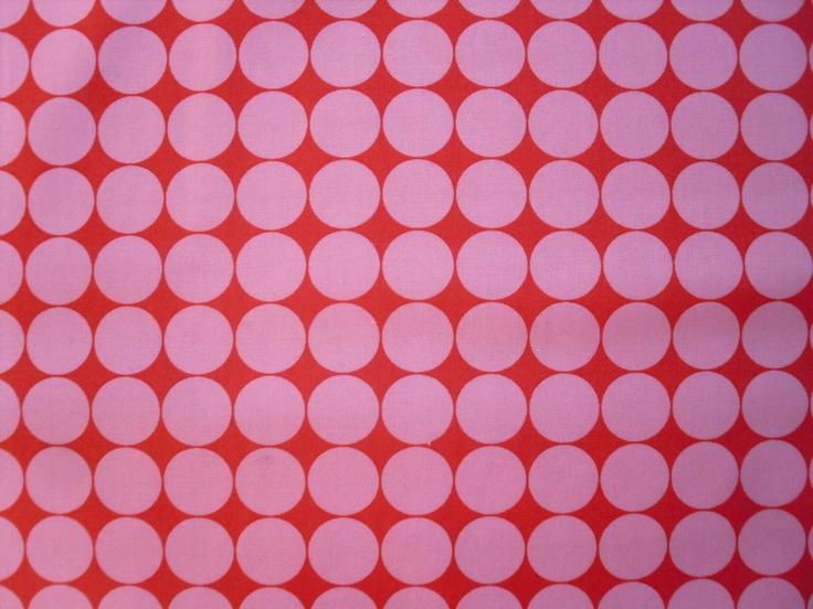Toller Stoff von Moda Circles Hoopla....schöner Druck mit rosa Punkten auf rotem Grund  Die Punkte haben einen Durchmesser von 2 cm.    Der Stoff für