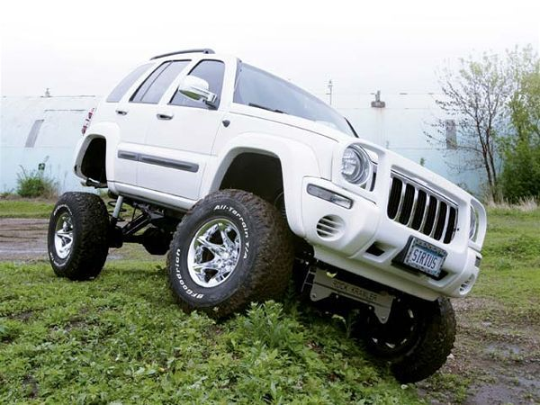2004 Jeep Liberty front View