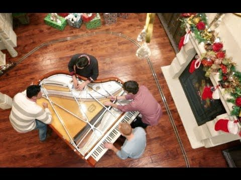 4 Guys, One Piano: Christmas Edition - Ohh, this is such a great video of these four musicians thoroughly getting into the Christmas mood.....Great fun to watch!!!!