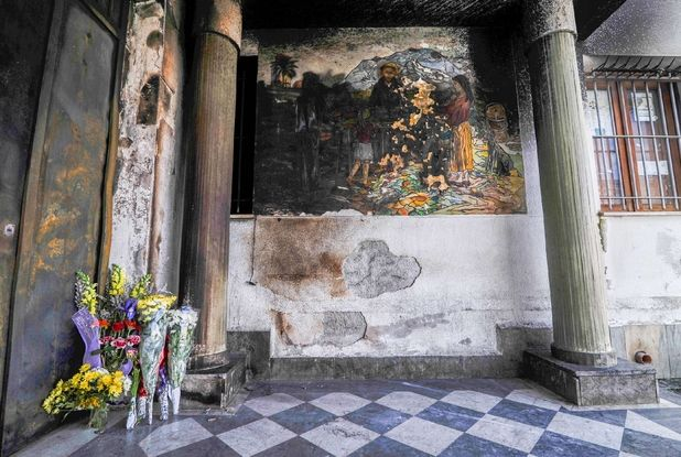 Clochard ucciso a Palermo, confessa l'aggressore: ha ucciso per gelosia Un omicidio avvenuto per motivi passionali. Una furia cieca e sconsiderata. Ecco perché è stato ucciso il senzatetto di Palermo. Il presunto omicida ha confessato nelle scorse ore davanti alla Polizi
