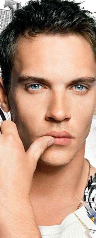 blue eyes dark hair men