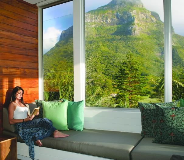 Commanding stunning ocean and mountain views the Capella Lodge affords a civilised, stylish and sophisticated escape.