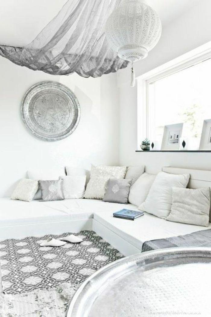 Marokkanische Lampen Ideen Fr Orientalische Einrichtung In Weisser Farbe Tolle Gestaltung Teppich Sofa Kissen Grau