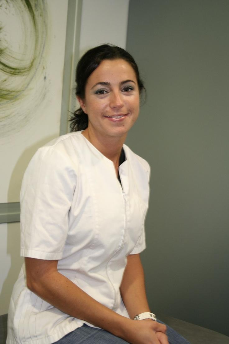 Erika Amezcua, Fisioterapeuta