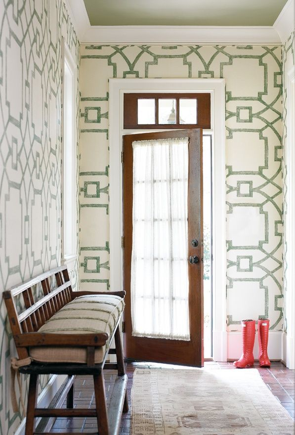 Painting Designs on Walls-Creative Stencil Idea-ItsOverflowing