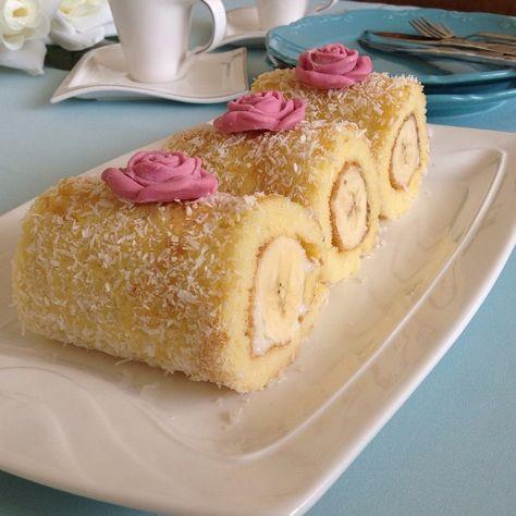 Hayırlı akşamalar dilerim ☺️ @gecmiszamaninrivayeti ile pasta keyfi ☺️ Bizim evin favori pastasıdır  Hem çok hafif hem de çok pratik bir pasta tarifi, mutlaka tavsiye ederim ☺️ Tarifi aslında profilimde var ama ben yine de yazıyorum  MINIK PORSIYONLUK MUZLU RULO PASTA  MALZEMELER  KEK İÇİN  1) 4 Adet yumurta 2) 1 Su bardağı şeker 3) 1 Paket kabartma tozu 4) 1 Paket vanilya 5) 1 Su bardağı un  KREMASI İÇİN  1) 2,5 Su bardağı süt 2) 3 Yemek kaşığı un 3) Yarım yemek kaşığı nişasta 4)...