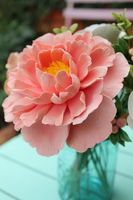 Soft clay coral pink peony - ©Susana Oliveira - What makes a great peonie... Ok, so it's not fondant, but it could be
