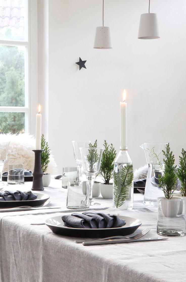 30 besten tischdeko runde tische bilder auf pinterest runde tische blumenkranz und blumenkr nze. Black Bedroom Furniture Sets. Home Design Ideas
