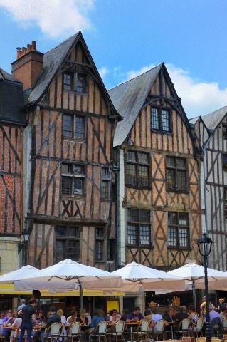 Place Plumereau, Tours, Indre et Loire, France