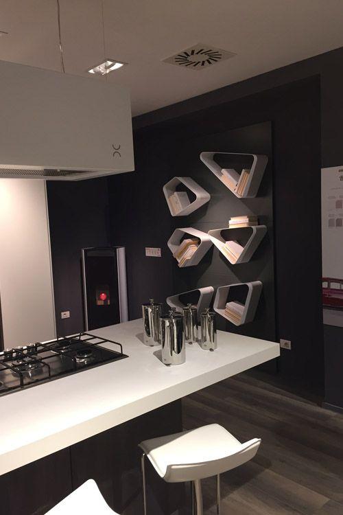 Interni Milano - Italy #magnetic #shelves #madeinitaly #rondadesign #marcarchdesign #isaloni