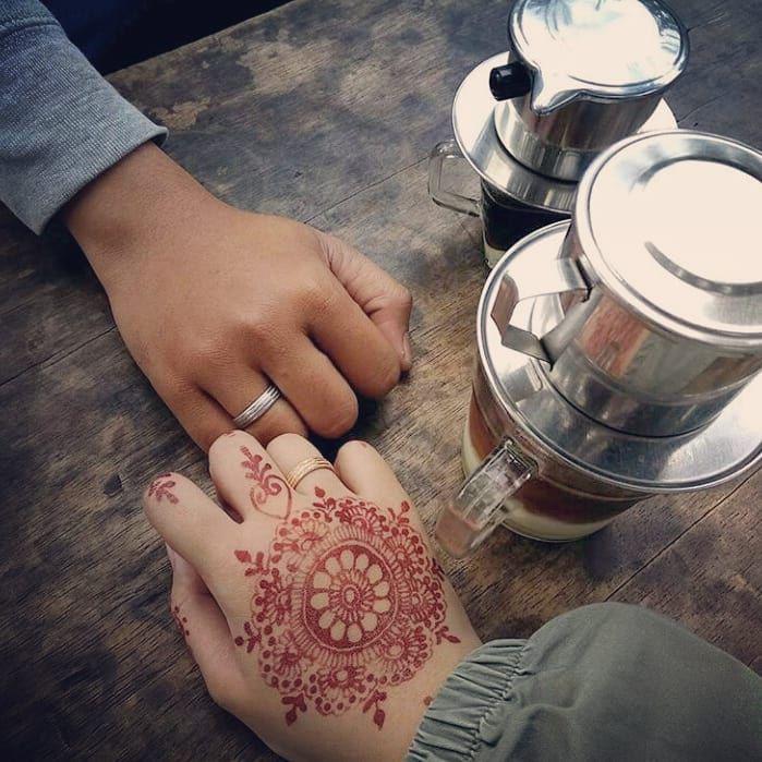 Sakinah adalah ketika kita melihat kekurangan pasangan namun mampu menjaga lidah untuk tidak mengatakanya.  Mawadah adalah ketika kita mengetahui kekurangan pasangan namun kita menutup mata dan fokus pada kelebihanya.  Rahmah adalah ketika kita mampu menjadikan kekurangan pasangan sebagai ladang amal kita. -  #arabic#art#hijrah#muslimah #webdesign #weddingdress #youtube #tagsforlikes #park #photographyeveryday #photoshop #follow4follow #f4f#thanksgiving #like4follow #likeforfollow…