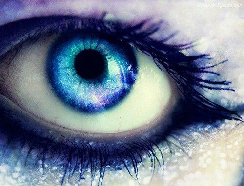 Blue eye♡♡