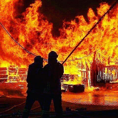 FEATURED POST @fwgummersbachloeschzugstadt - Heute zum Wahlsonntag ein Bild eines schon länger zurück liegenden Einsatz. Damals brannte ein Sägewerk ein Wohnhaus und ein Tennisheim. . ___Want to be featured? _____ Use #chiefmiller in your post ... http://ift.tt/2aftxS9 .CHECK OUT! Facebook- chiefmiller1 Periscope -chief_miller Tumblr- chief-miller Twitter - chief_miller YouTube- chief miller . . #firetruck #firedepartment #fireman #firefighters #ems #kcco #brotherhood #firefighting #paramedi