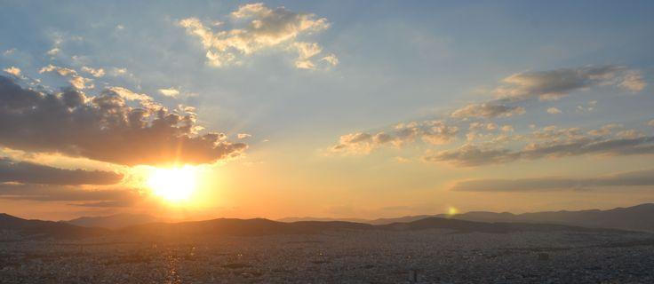 Tramonto dalla collina del Licabetto, Atene 2014 [foto Stefania Berutti] Sunset in Athens from the Lycabettos hill