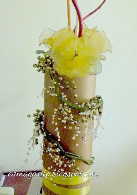 El Portafolio de Edma: Florero con mostacillas y flores de nylon