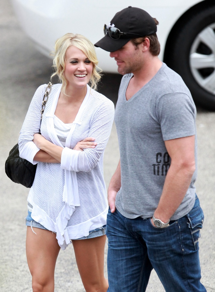 Carrie Underwood and hubby Mike Fisher ♡