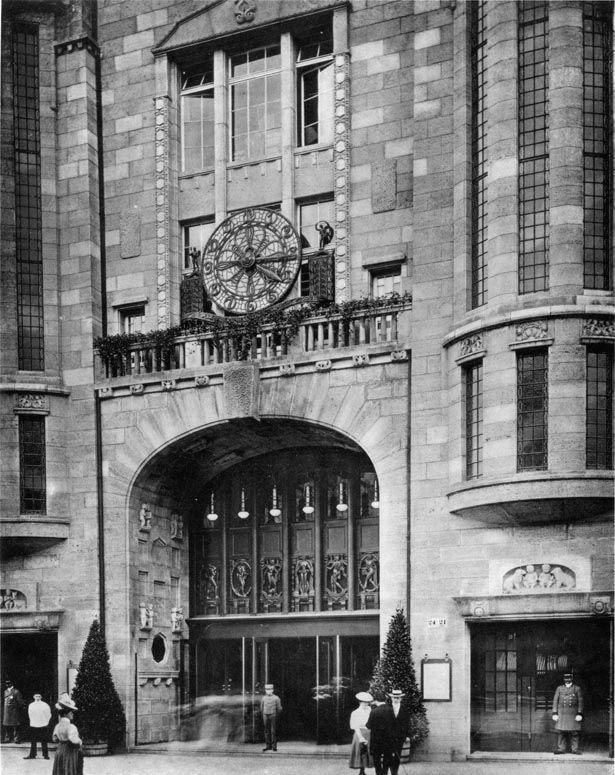 kadewe berlin main entrance 1907 bilder och inspiration. Black Bedroom Furniture Sets. Home Design Ideas