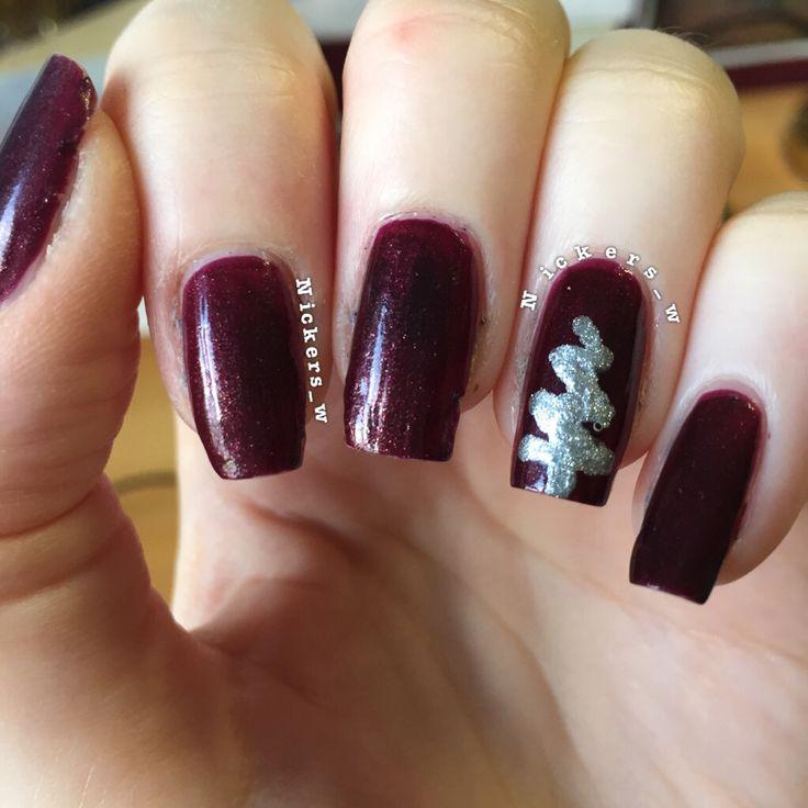 Abstract Christmas tree nails