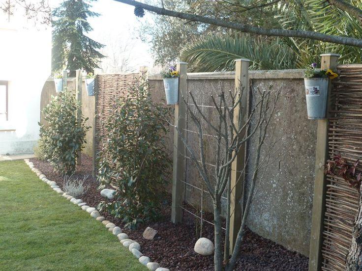 Alternance de panneaux pour cacher un mur disgracieux - Panneaux de separation pour exterieur ...