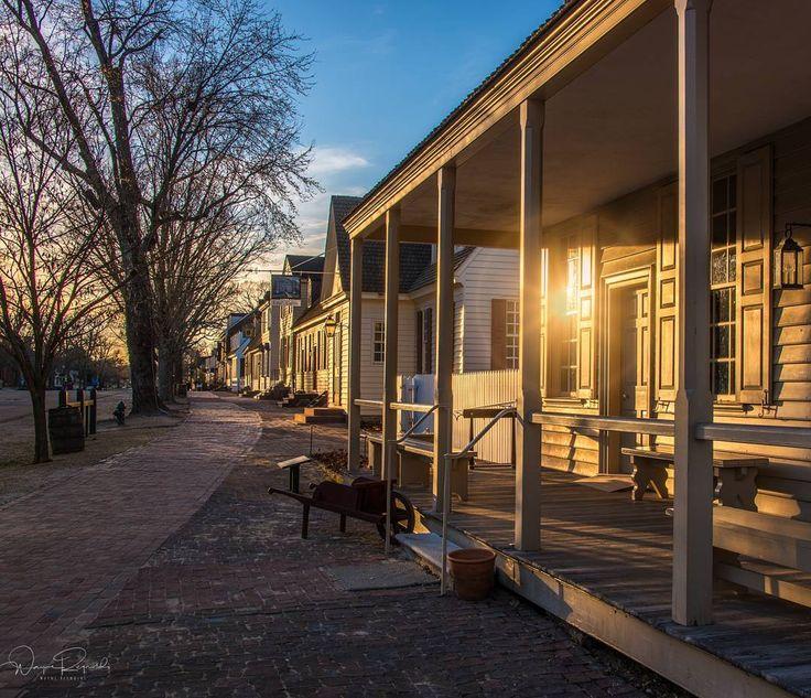 A late day sun on DoG Street. colonialwilliamsburg