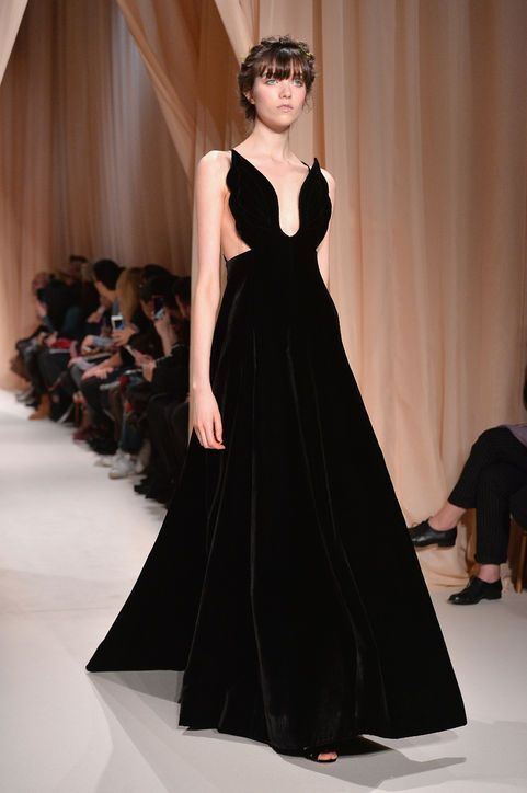 11 Breathtaking Gowns We???d LOVE to See at the Oscars