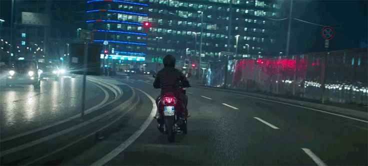 Samsung's Smart Motorcycle Windshield Is Super Simple and That's Great