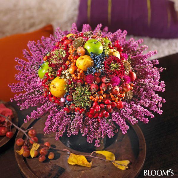 Herbststrauß natürlich und farbenfroh: Strauß mit Erikamanschette