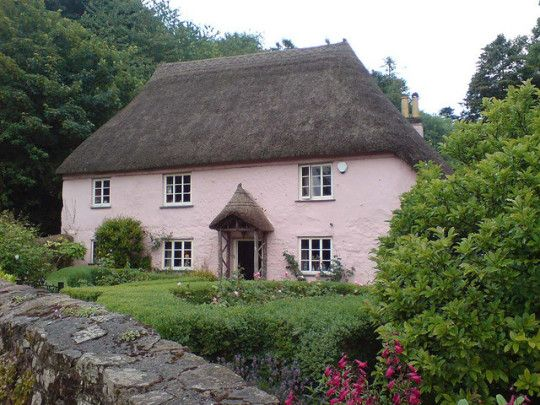 Thatched House in Devon (by DerbyRed) #englishcottagegardens