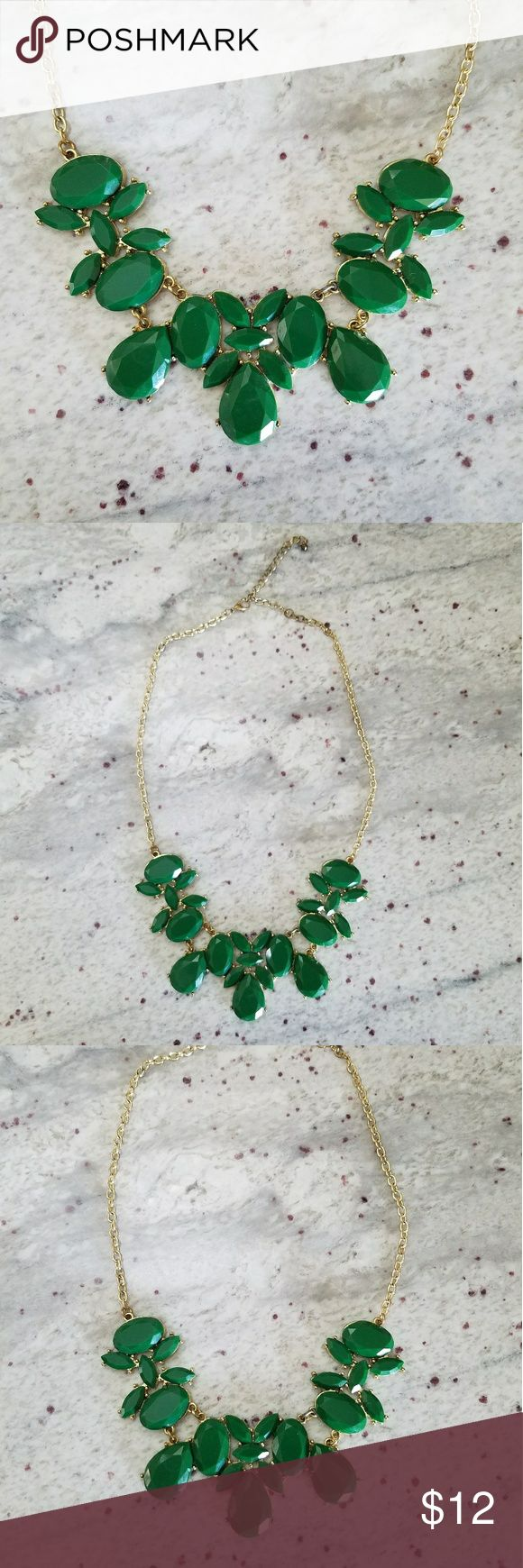 Green Statement Nekclace This green statement necklace is the perfect piece for a night out or to work. Jewelry Necklaces