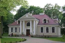 Znalezione obrazy dla zapytania domy w parku