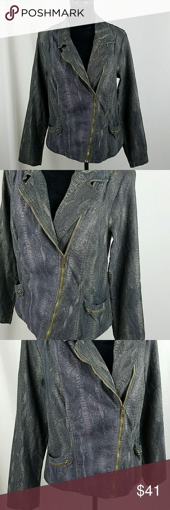 "XCVI women XL moto jacket blazer pockets animal pr XCVI women XL moto jacket blazer pockets animal print zip up, 77% cotton, 21% polyester, 2% spandex.  Under arm to under arm: 21"" Waist side to side: 19.25"" Length: 25.5"" XCVI Jackets & Coats"