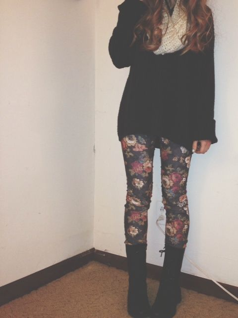 floral jeans//oversized sweater//cream knit scarf//combat boots//curls