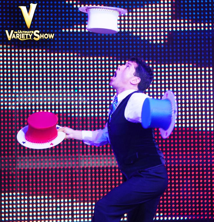 Just when you think he can't possibly go any faster...  #FasterWally #Juggler  -- -- #juggling #vtheshow #vegas #lasvegas #varietyshows #lasvegasblvd #lasvegasstrip
