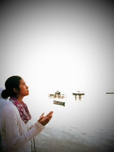 Pray pose at pari island