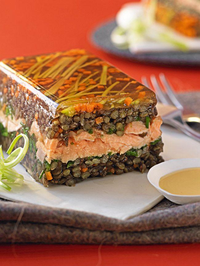 Une recette de terrine qui sort de l'ordinaire, très facile à préparer pour les grandes occasions ou les dîners en famille.