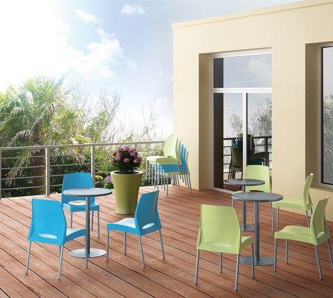Chaise Pim'S Chaise outdoor Structure en tube d'aluminium anodisé Coque assise/dossier en polypropylène traité anti UV Hauteur d'assise: 45 cm