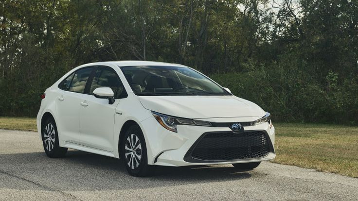 Toyota extends battery warranty on 2020 hybrids