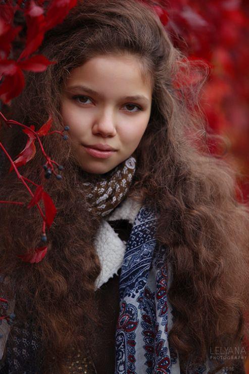 Gallery.ru / Фото #80 - Люди 2014/2017 - lelyana #russian #shawl #scarf #lelyana #леляна #павлопосадский #платок