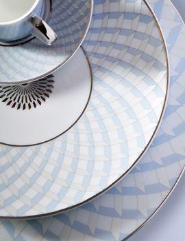 Service de table porcelaine de Limoges  assiettes porcelaine blanche porcelaine peinte & 203 best LIMOGES: TABLEWARE images on Pinterest | Dinnerware ...