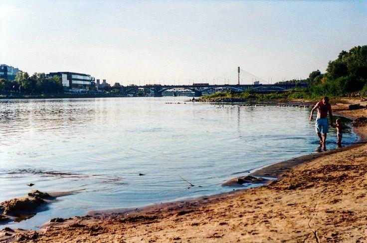 #warsaw #warszawa #wisla #vistula #plazasaska #plazasaskakepa #river #beach #bridge #analogcolors  #analogcamera #vintage #ilovevintage #vintagestyle #vintagelovers #zenit #kodakportra #35mm #