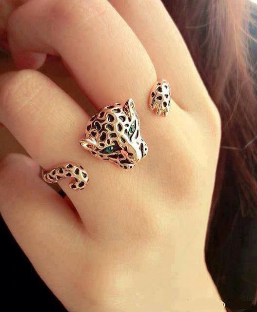 I don't know if I would wear this but I like it.  Leopard Ring #jewelry  #PrimerasVecesbyCyzone