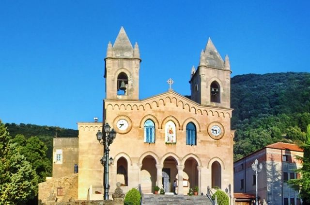 History and opening hours to visit the sanctuary of Gibilmanna, an ancient Sicilian church which witnessed stunning miracles and sacred apparitions.