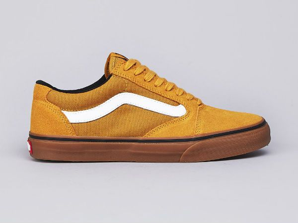 Normally I hate yellow. But for these I would make a huge exception. Vans TNT 5 Mustard / Gum