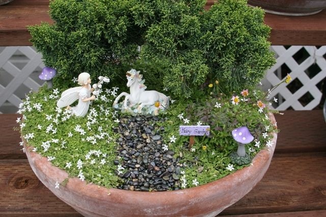 fairy garden - Tilly would love this!